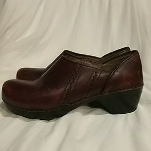 Dansko cherry brown leather women's shoes,size 7